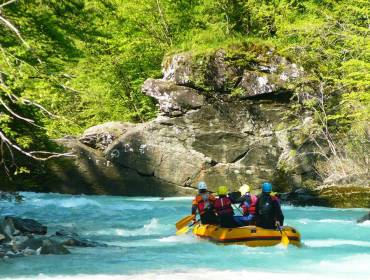 Full-day rafting with a picnic